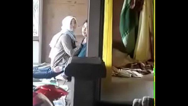 Bokep online ngintip cewek jilbab mesum